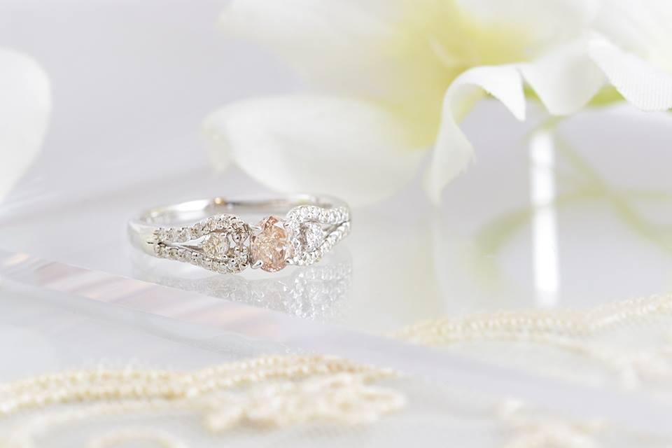 ベビーピンクのダイヤで、女子力アップ!