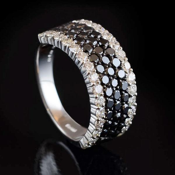 ブラックダイヤモンド デザインリング