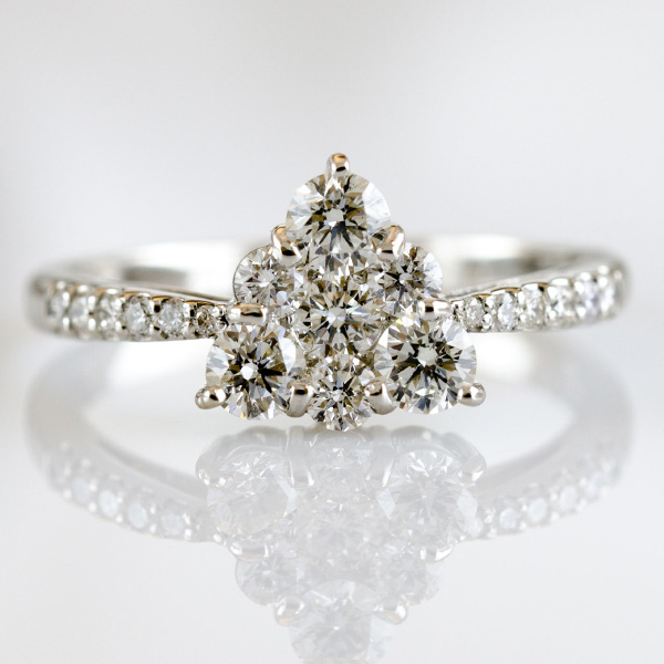 PT ダイヤモンド デザインリング
