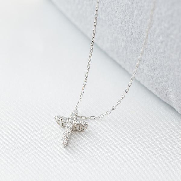 PTダイヤモンドネックレス  クロス
