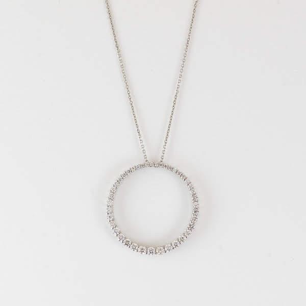 合計1ctのダイヤモンドの輝きが眩しい! 繊細さ・品の良さを演出する美しいネックレス