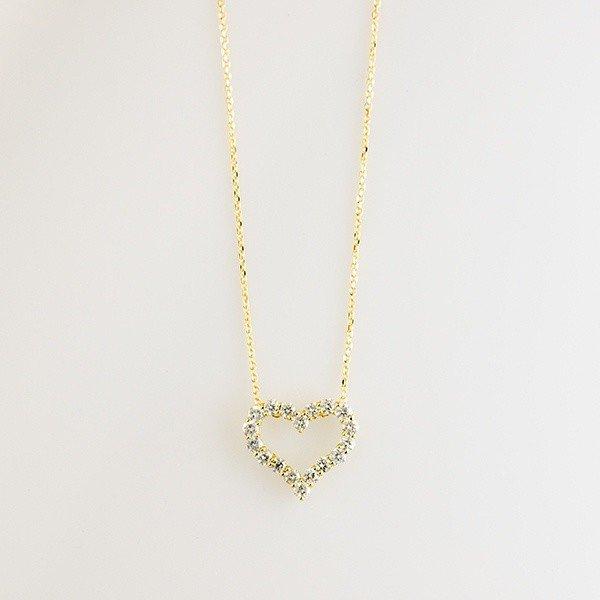 あなたの胸元を愛らしく演出! オープンハートのダイヤモンドネックレス
